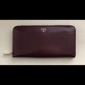 FOSSIL wallet.
